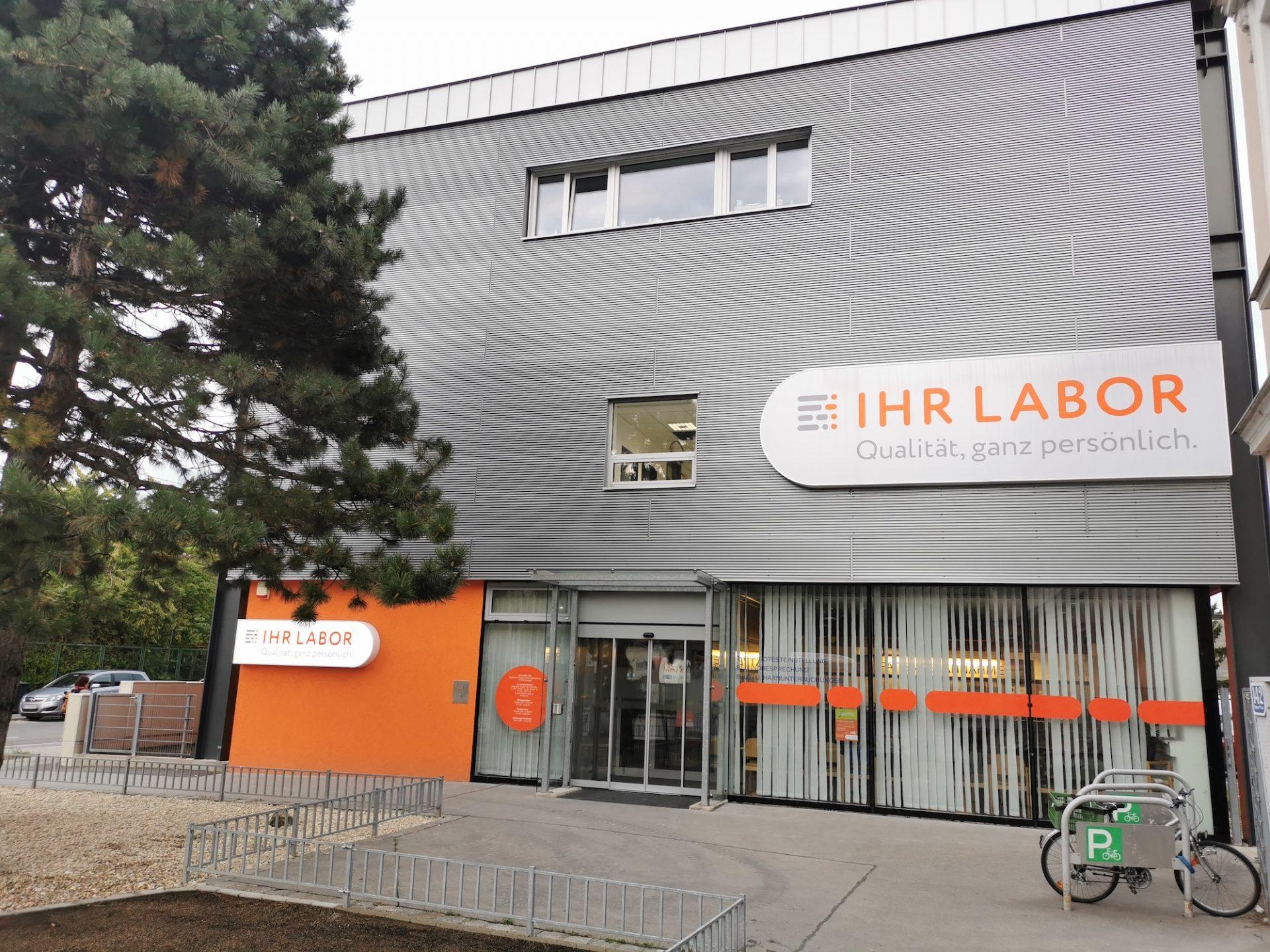 ihr-labor-1220-fassade